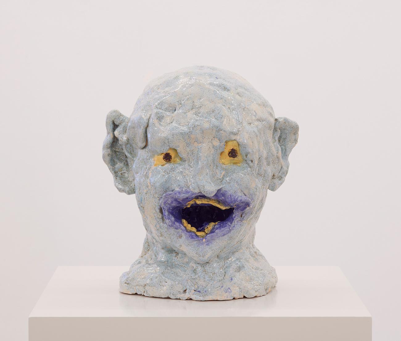 Janes Haid-Schmallenberg, 2019, Büste (hellbalu, panisch), Galsierte Keramik, 33 x 28 x 24 cm