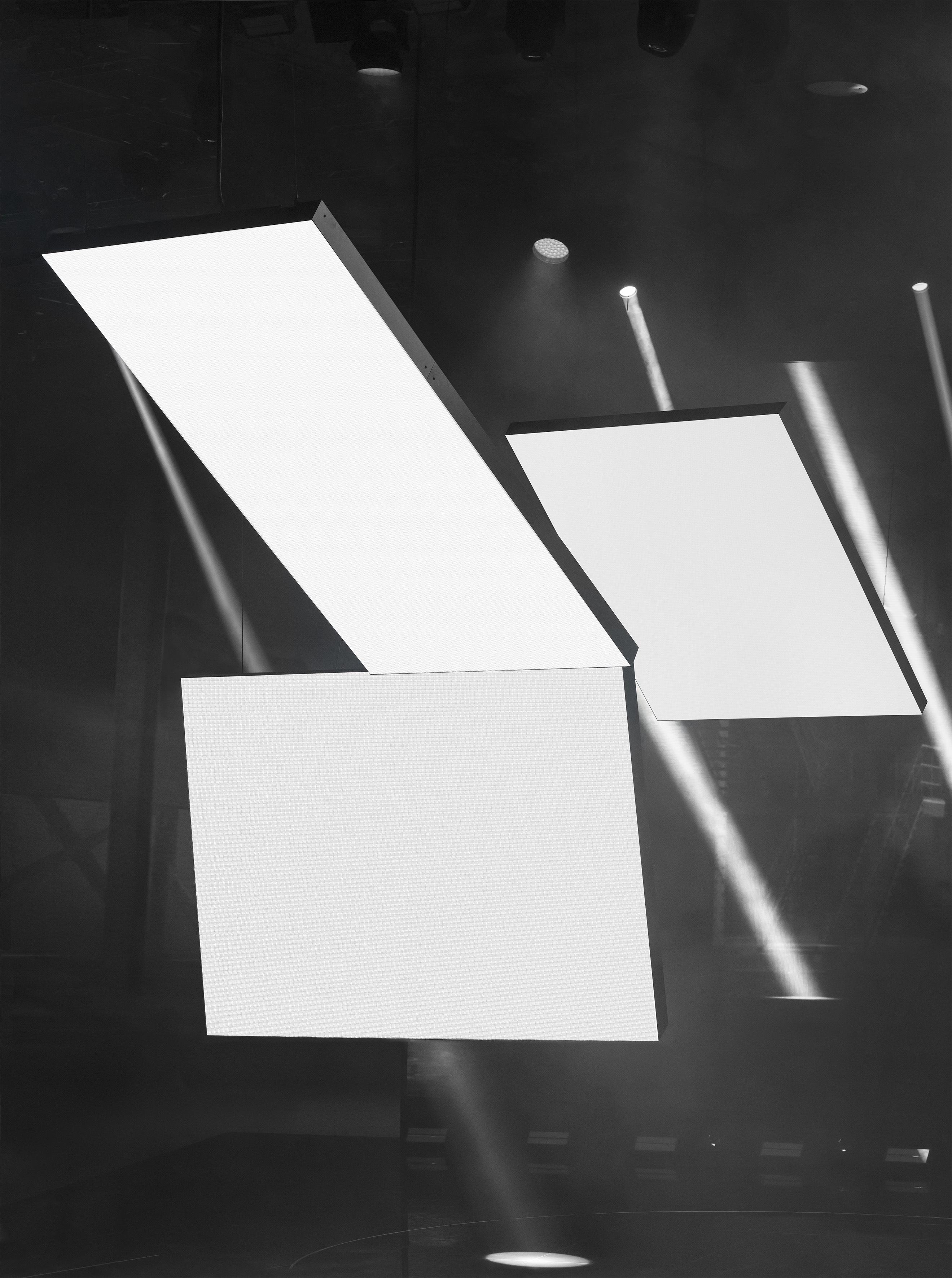 Alexander Romey, 17000 dots:m2_170x122 cm_2020_Pigmentdruck